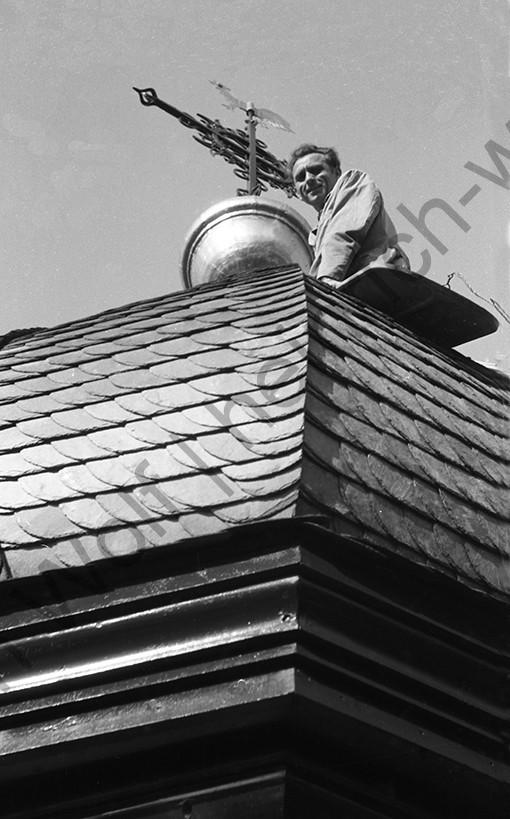 Liebfrauenkirche: Der stolze Handwerksmeister Fritz Heidger, Heinrich Wolf Fotograf Archiv Koblenz
