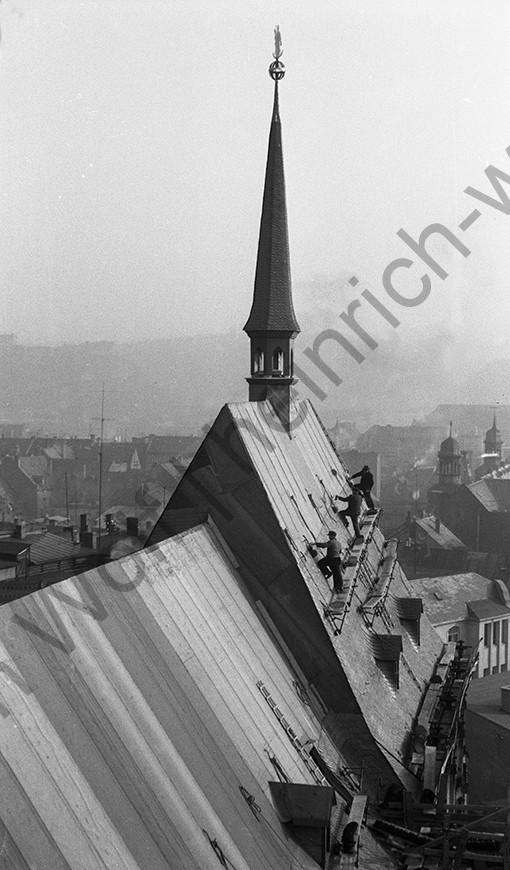 Liebfrauenkirche: Das Dach der Kirche wurde 1955 neu gebaut, Heinrich Wolf Fotograf Archiv Koblenz