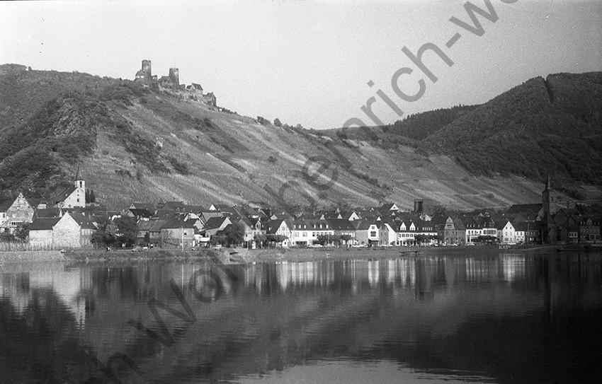 Blick auf Alken, 1954, Heinrich Wolf Frühling an der Mosel
